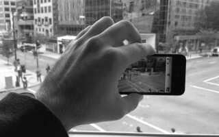 Как конвертировать фотографии в черно-белое на iPhone
